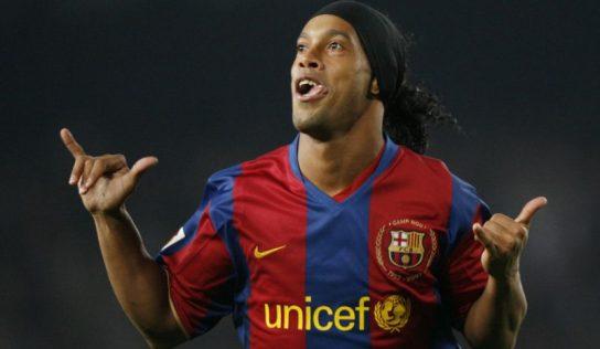 Ronaldinho prend sa retraite : Salut, l'artiste !