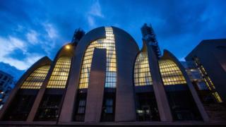 Allemagne: une mosquée attaquée