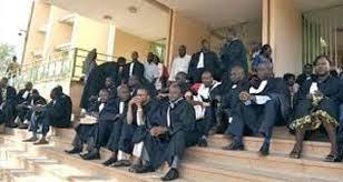 Justice: Les greffiers paralysent les cours et tribunaux