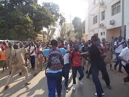 Kaloum  : les élèves dans la rue