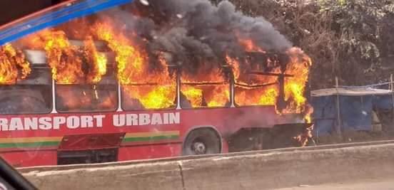 Un Bus de la société Albarka prend feu