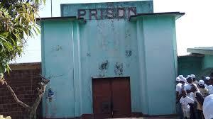 Risque d'évasion à Kindia : » c'est le chef de gang de Labé Mamadou Moussa qui veut attaquer la prison civile», alerte un détenu.