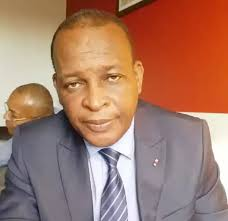 Guinée-Sénégal : Sékouba Konaté a demandé un passeport sénégalais à Macky Sall