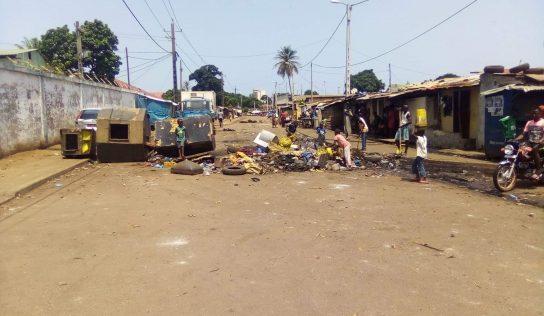 Société: Les citoyens de Bonfi port dans la rue, pour protester contre le manque d'électricité