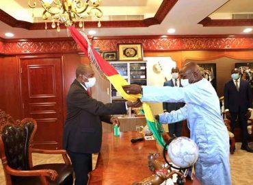 Alpha Condé installé dans ses fonctions : «Au travail…», dixit le Chef de l'Etat
